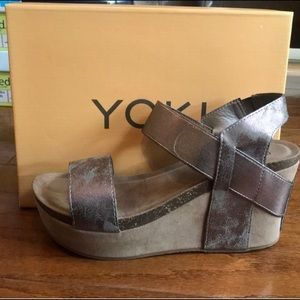 Shoes - Yoki Wedge sandals